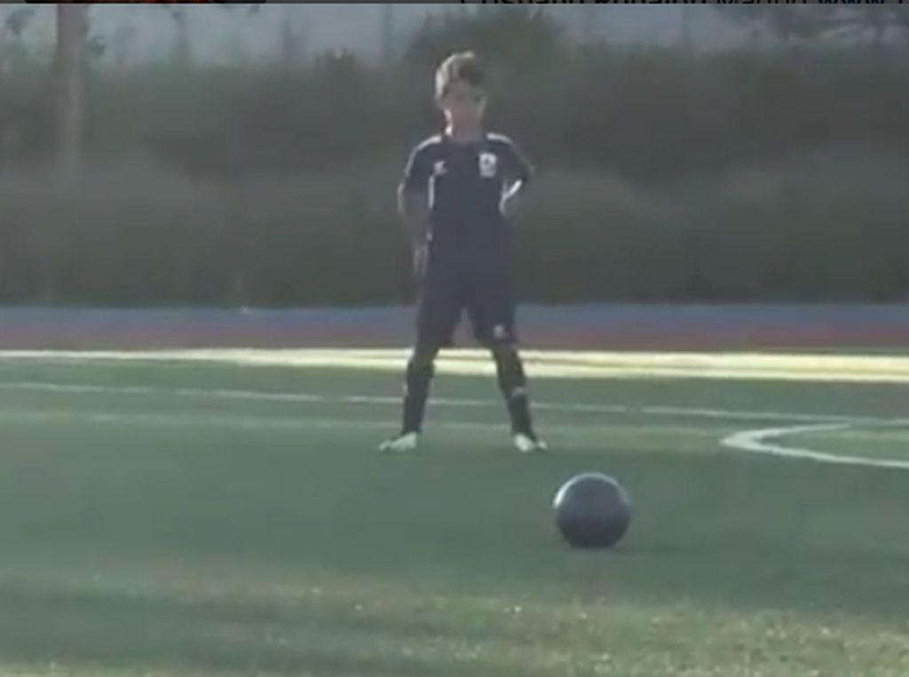 Keren, Gol Free Kick Anak Cristiano Ronaldo