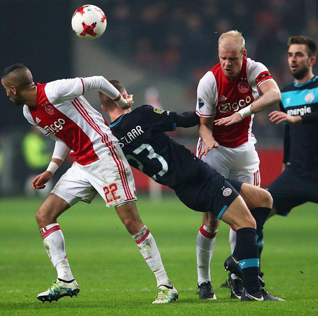 De Topper: Duel Ajax dengan PSV, Tesis vs Antitesis