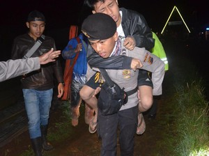 Tim SAR Masih Evakuasi Korban Tersambar Petir di Gunung Prau