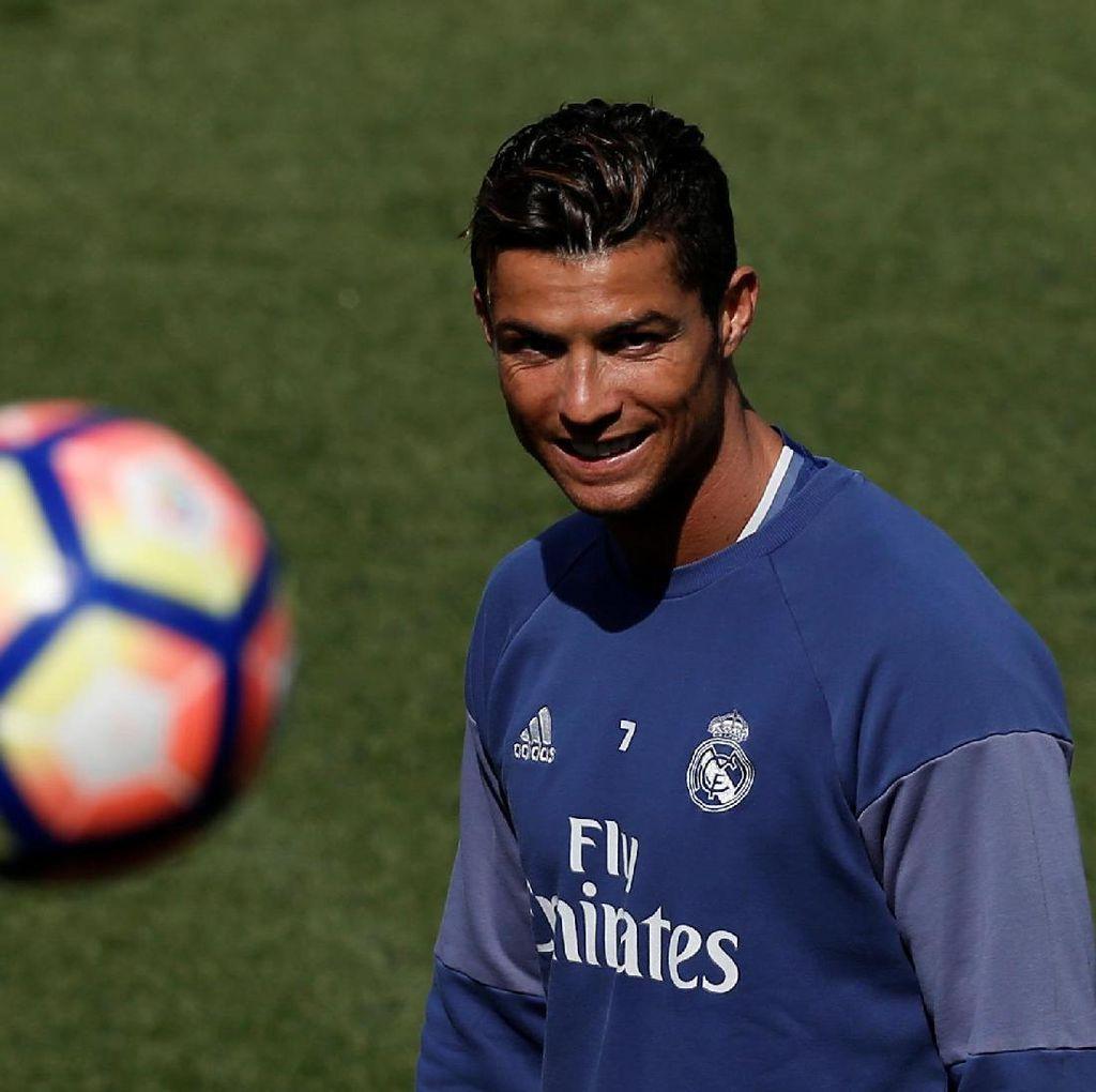 Zidane: Tampil Cemerlang Lagi di El Clasico, Ronaldo!
