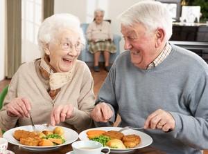 Kalau Mau Panjang Umur, Tiru 10 Pola Makan Orang Berusia 100 Tahun Ini (1)