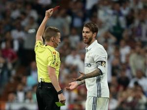 Ramos Bertepuk Tangan Usai Dikartu Merah, Barca: Harus Diinvestigasi