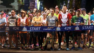 Sain Alim dan Yulianingsih Juarai Jogja Marathon 2017