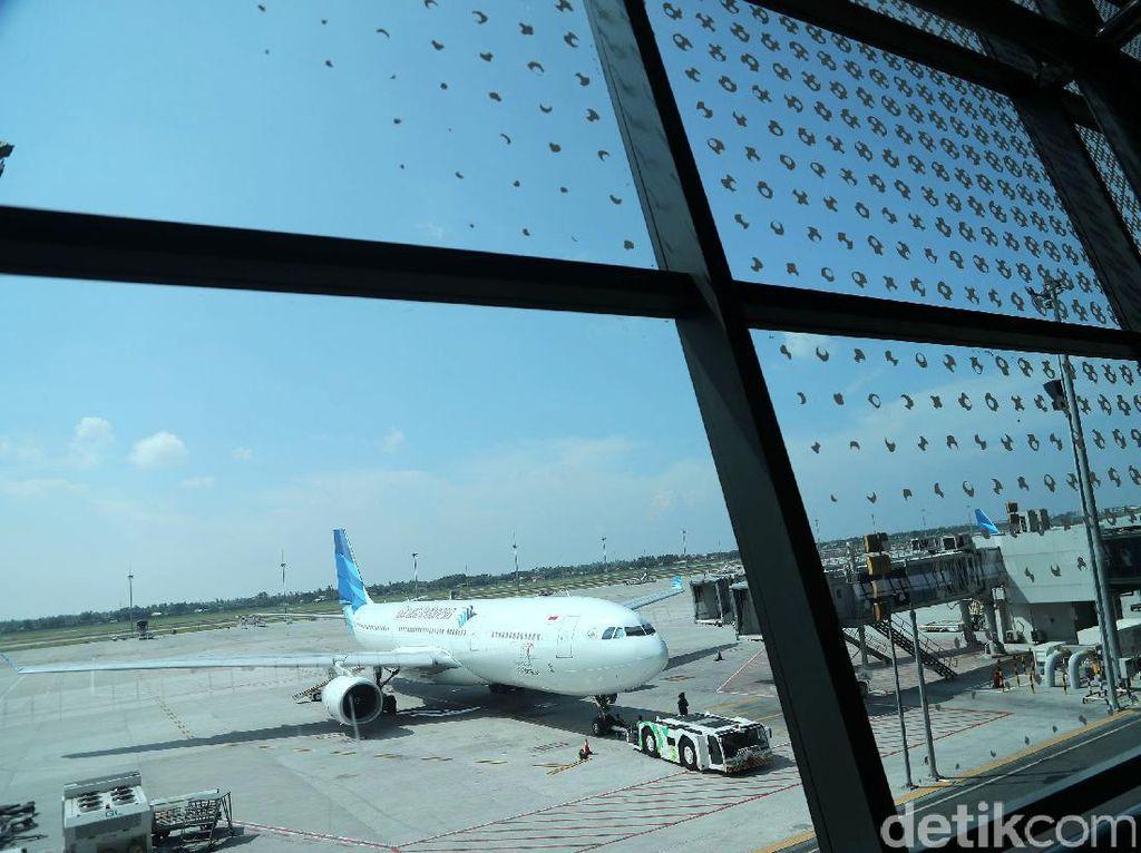 Di Depan Anggota DPR Menhub Lapor Penerapan Batas Atas Tiket Pesawat