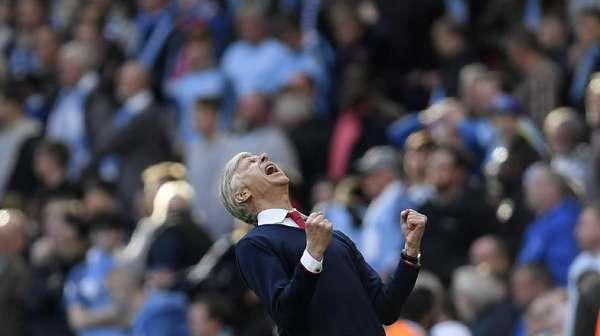 Tiga Bek Masih Manjur, Wenger pun Senang