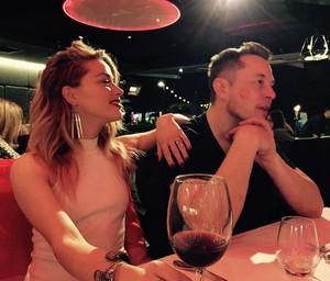 Elon Musk dan Si Cantik Amber Heard Siap ke Pelaminan