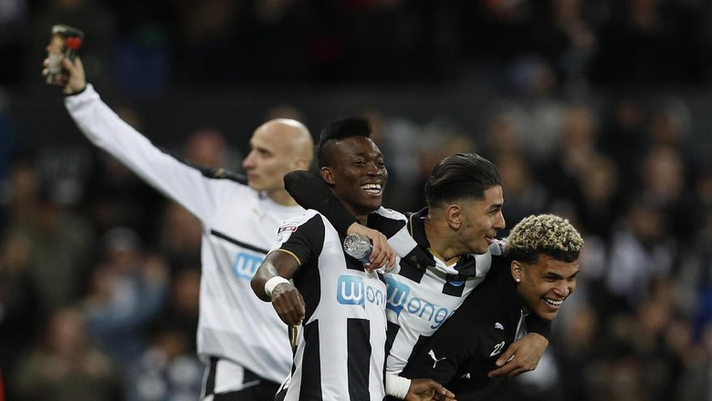 Newcastle Promosi ke Premier League