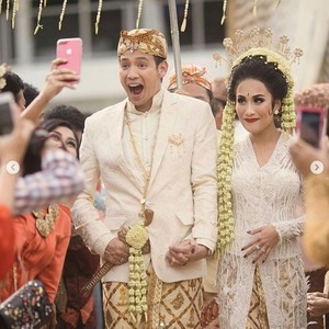 Tarra Budiman Segera Tuntaskan Utang Bulan Madu dengan Istri