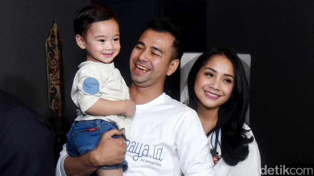 Happy Face! Senyum Keluarga Raffi Ahmad
