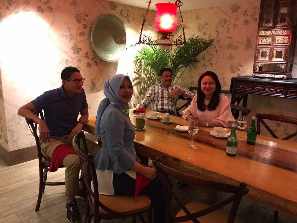 Kisah Sandi-Djarot: Tarung Ketat di DKI, Kini Bareng Dukung Menantu Jokowi