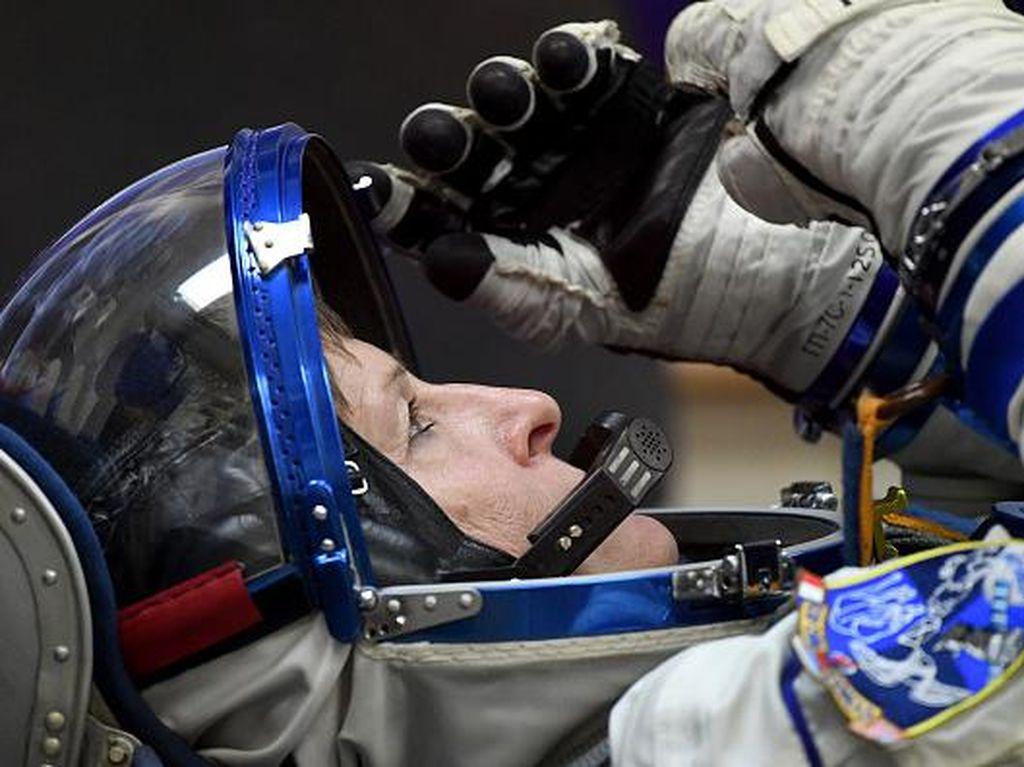 Keren, Wanita Ini Pecahkan Rekor Sebagai Astronot Terlama di Ruang Angkasa