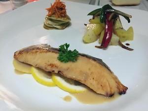 Carpediem: Di Sini Bisa Menyantap Salmon Panggang Miso dengan Suasana Romantis