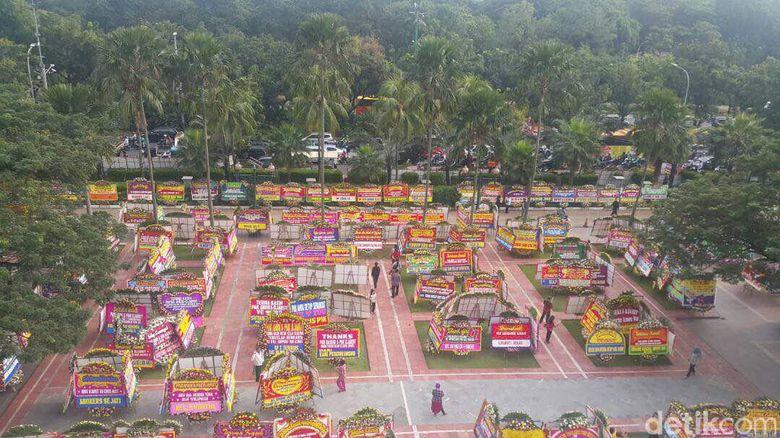 Pemprov: Karangan Bunga untuk Ahok di Balai Kota Capai 1.000 Buah