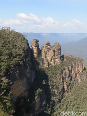 Batu di Australia Ini Konon Jelmaan 3 Perempuan