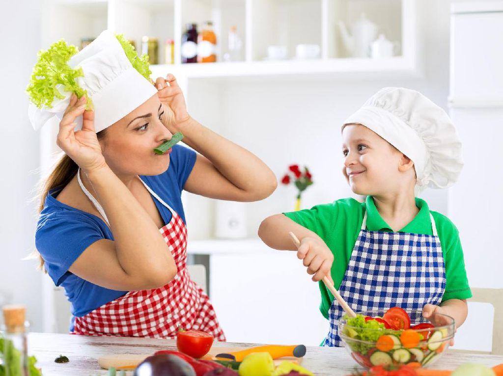 Mengubah Stigma Peran Perempuan di Dapur Dimulai dari Keluarga