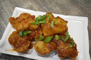 Sams Wok: Gurihnya General Tso Chicken dengan Bumbu Asia Gaya Amerika