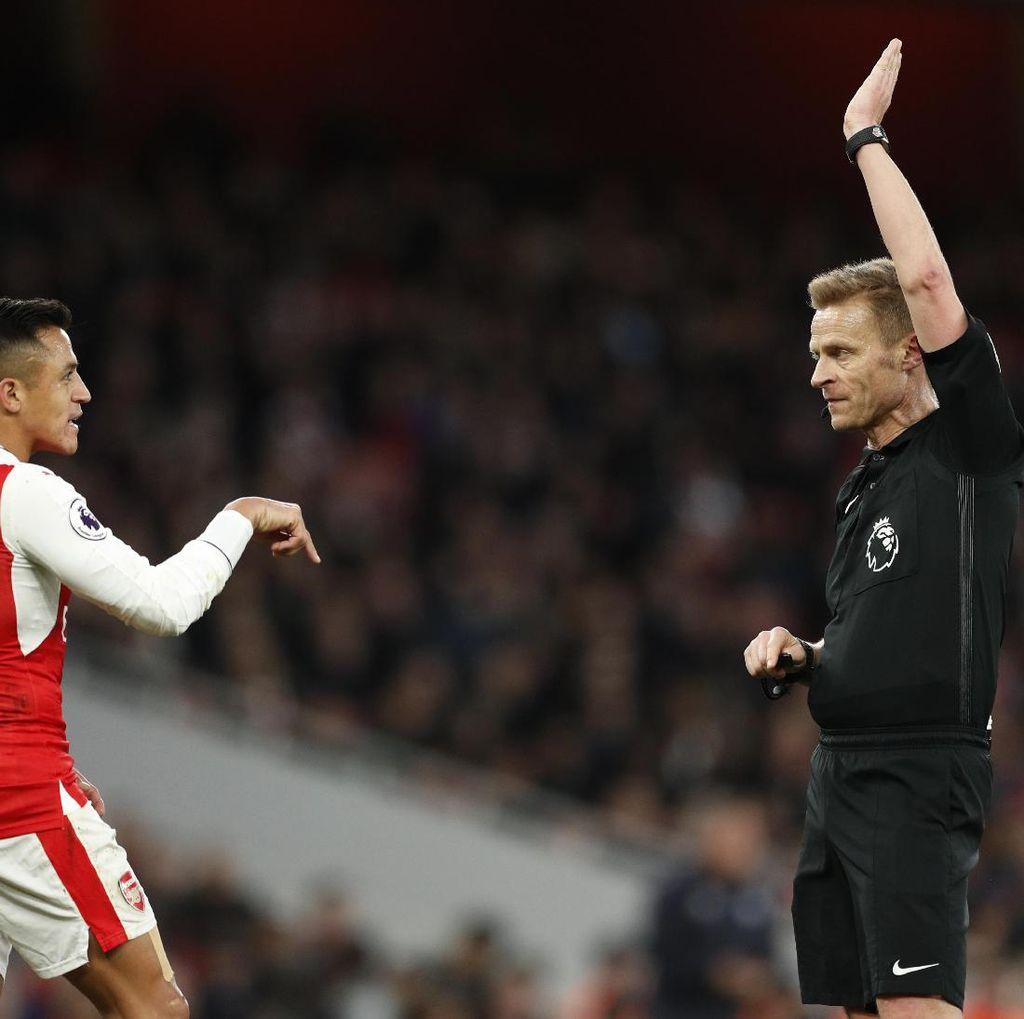 Wenger Pertanyakan Kartu Kuning Sanchez