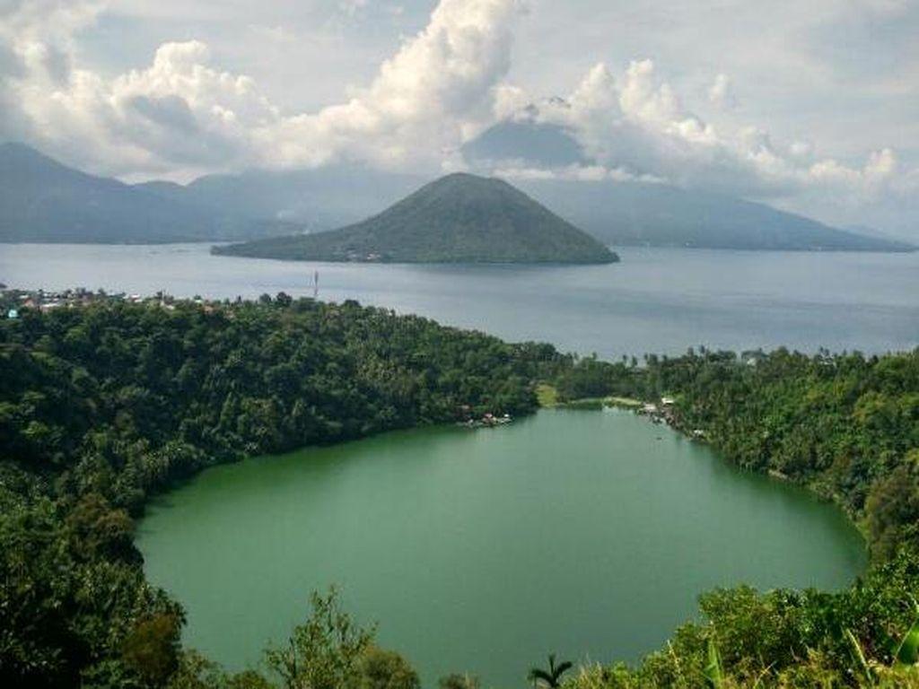 Yang Unik di Ternate, Danau Eksotis di Sebelah Laut