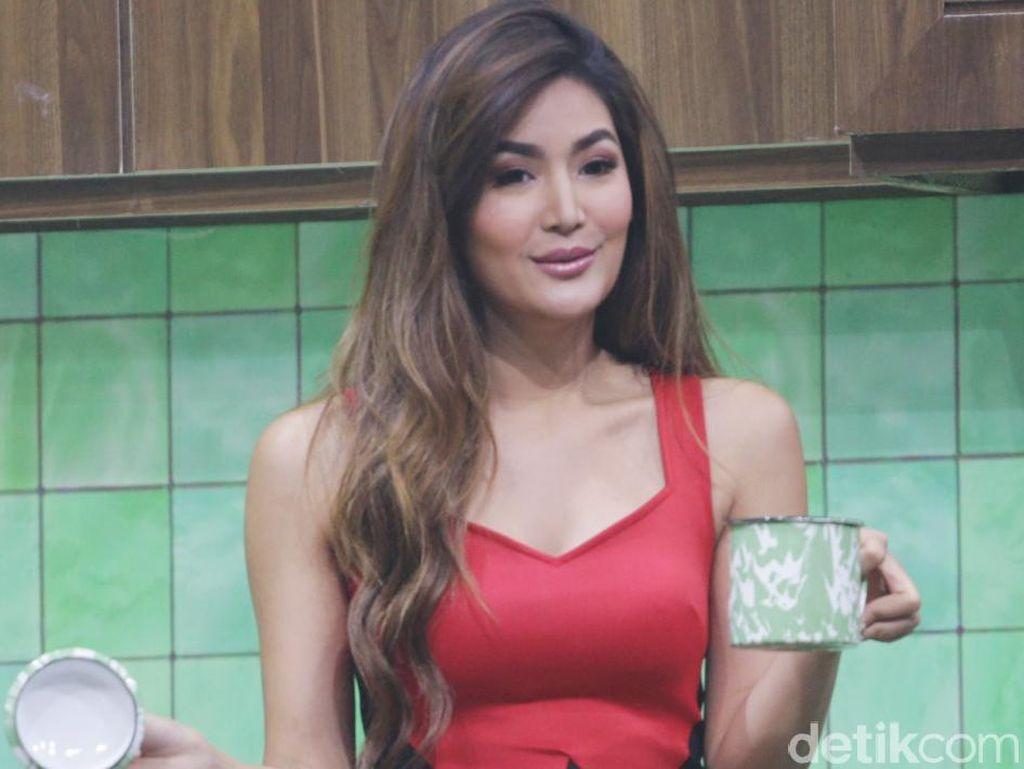 Terlihat Berduaan, Maria Selena Dekat dengan Rino Soedarjo?