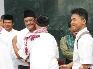 Djarot Ingin Taman di Masjid Raya Jakarta Seperti RPTRA