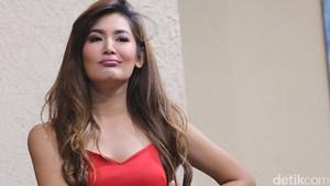 Maria Selena Bikin Salah Fokus