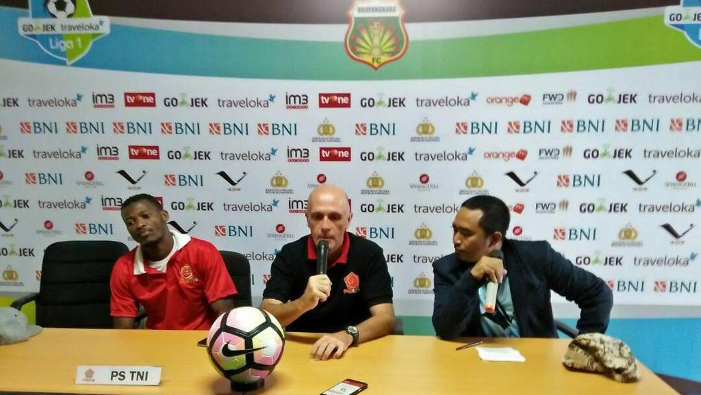 Pelatih PS TNI Secara Khusus Waspadai Tiga Pemain Bhayangkara FC