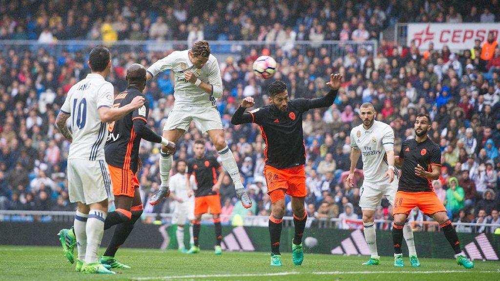 Madrid Kalahkan Valencia 2-1
