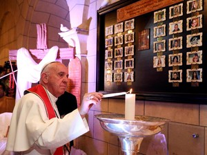 Paus Fransiskus Kunjungi Gereja Koptik Mesir yang Dibom ISIS