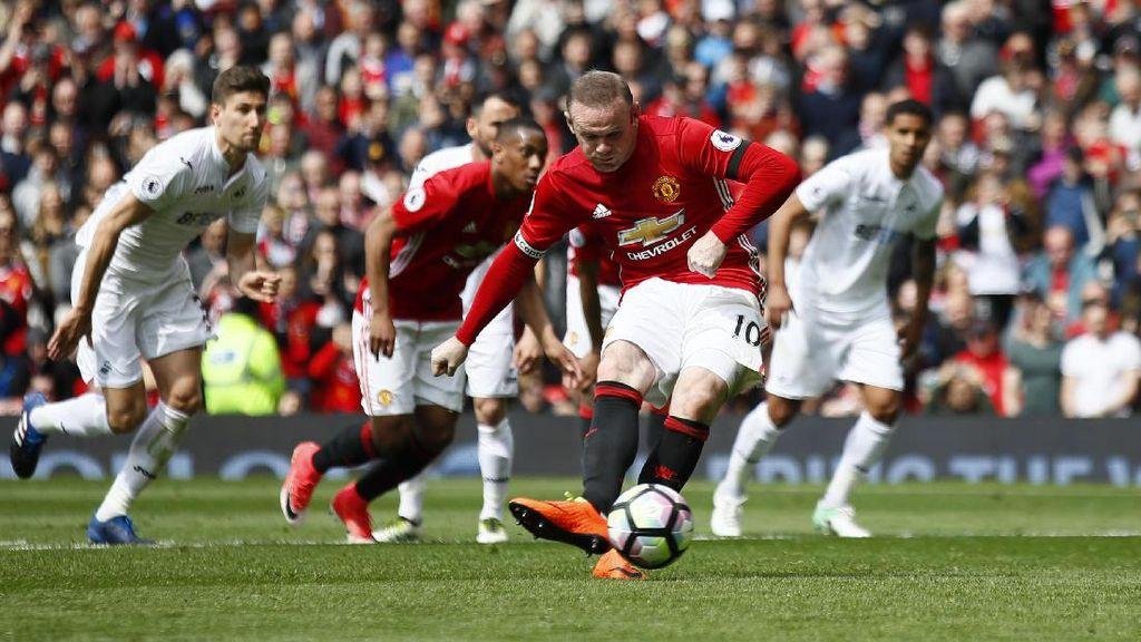 Gol Penalti Rooney Bawa MU Ungguli Swansea Saat Half Time