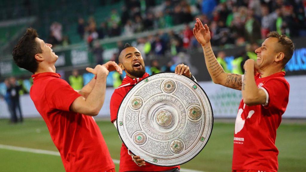 Foto: Bayern Munich Pesta Gol, Pesta Gelar Juara Bundesliga