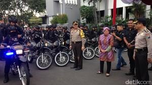 Pengamanan Demo Buruh Maksimal, Risma: Ini untuk Keamanan Surabaya