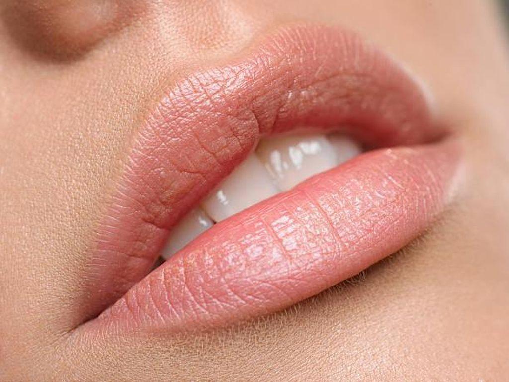 Cara Agar Bibir Lebih Lembut dan Sehat dengan Scrub Alami Gula Pasir