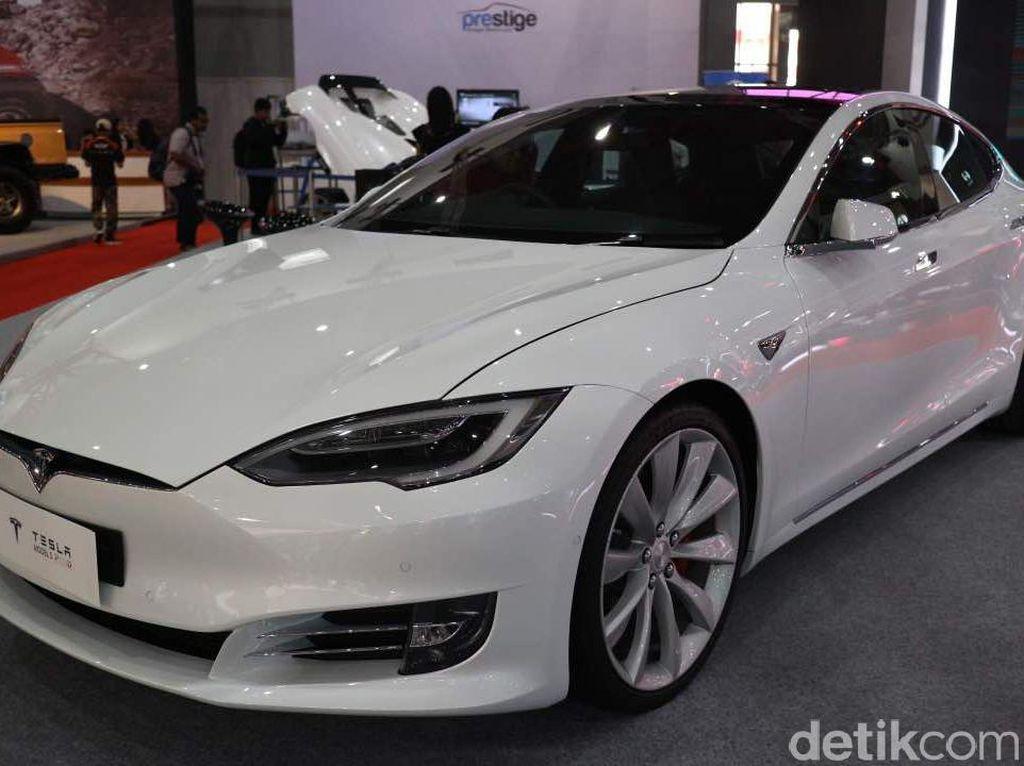 Pajak Mobil Listrik Tesla di RI 2 Kali Lipat Lebih dari Harganya