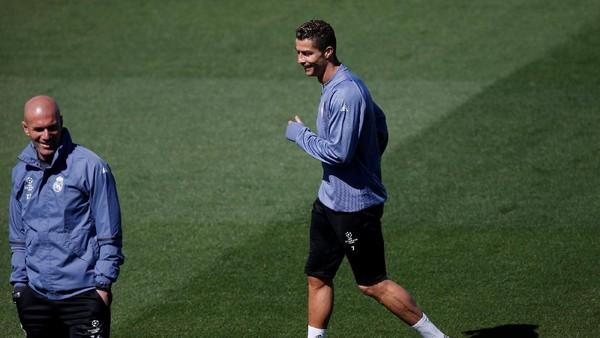 Ketika Zidane Iri kepada Ronaldo