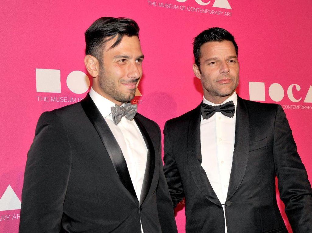 Seperti Ricky Martin, Pasangan Sejenis Seleb Ini Juga Menikah