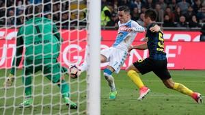 Napoli Kalahkan Inter 1-0 di Giuseppe Meazza