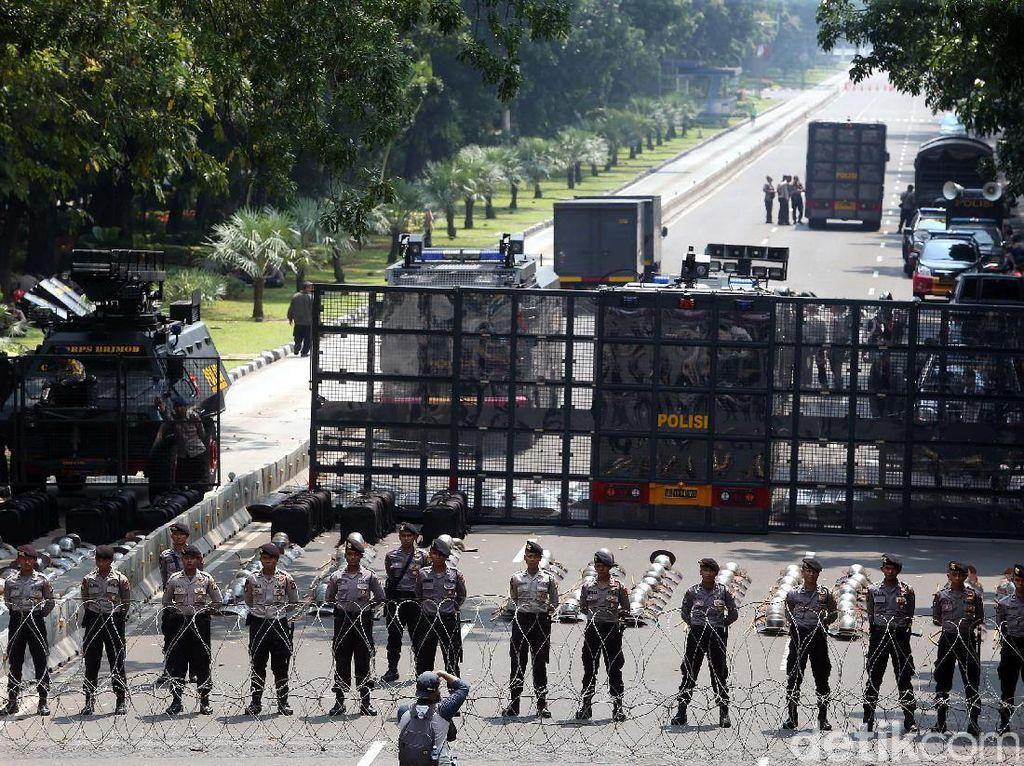 Polisi Siapkan 9.000 Personel Amankan Aksi Mahasiswa di Depan Istana