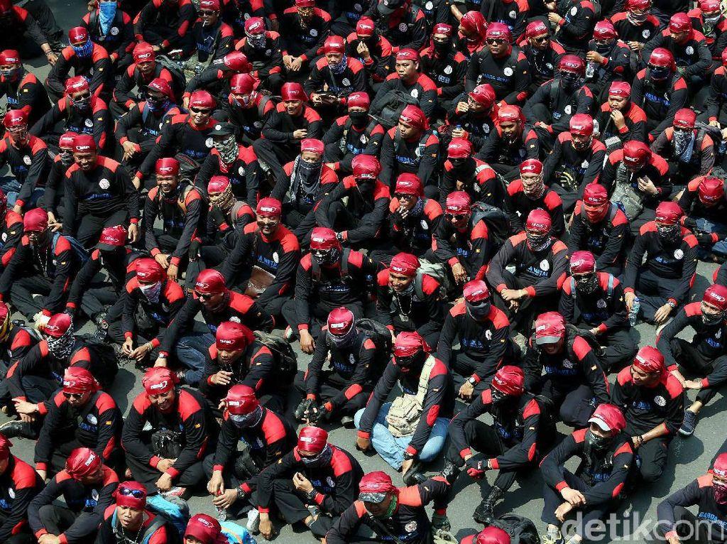 Begini Penampakan Massa Aksi May Day di Patung Kuda