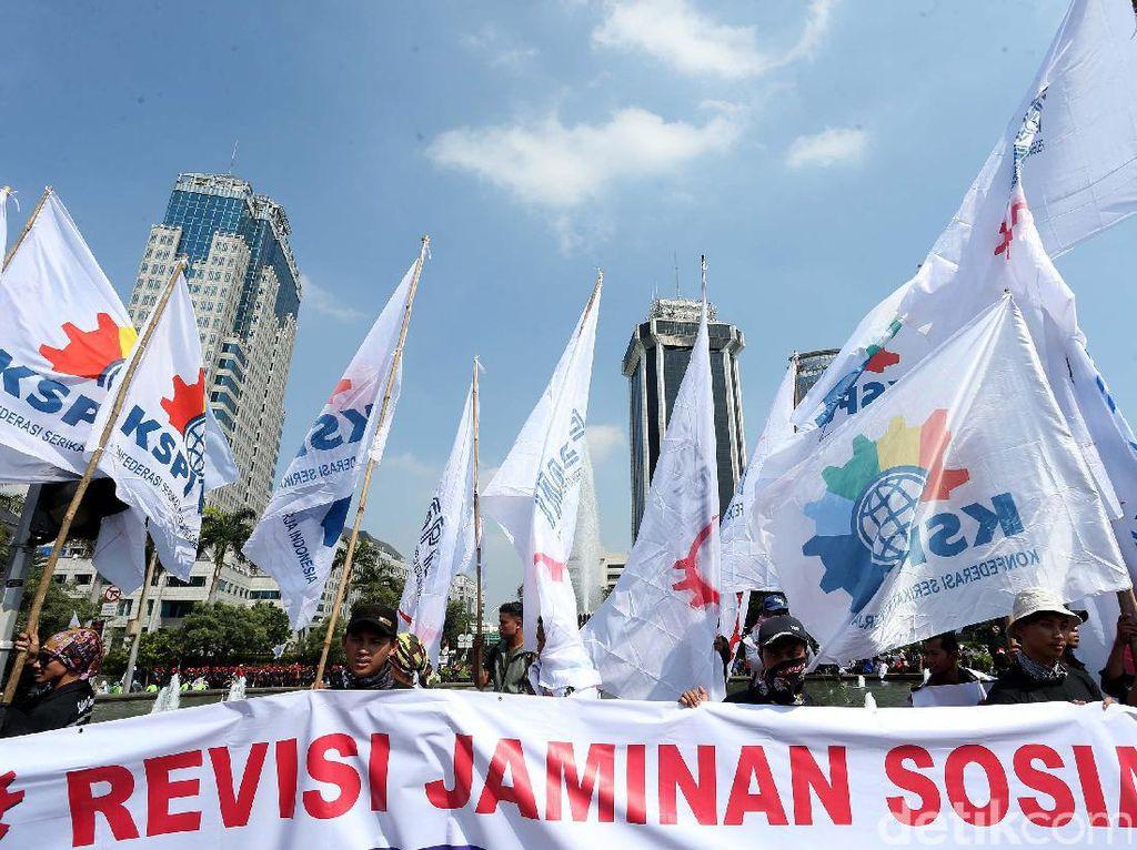 Ancaman Demo Buruh hingga Omnibus Law Cipta Kerja Akhirnya Ditunda
