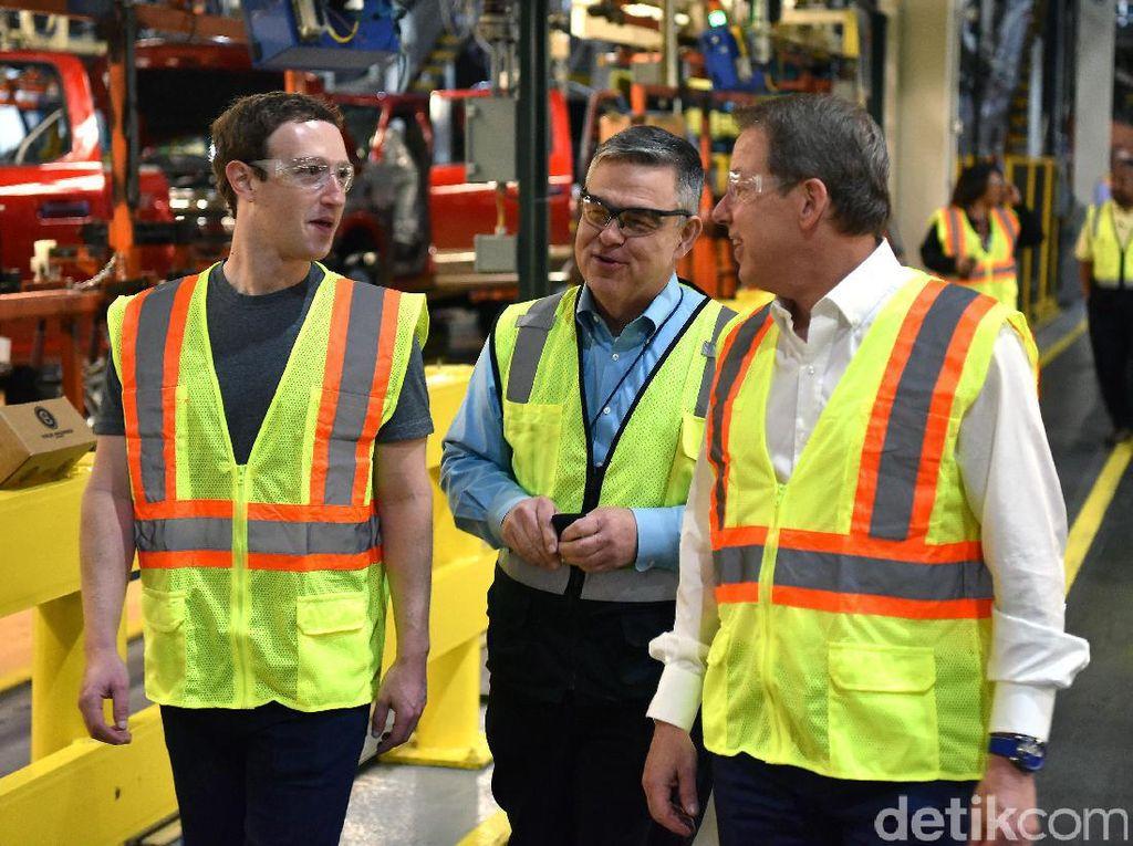 Mark Zuckerberg Jadi Pekerja di Pabrik Mobil