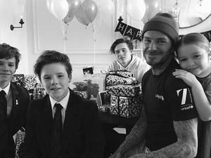 Kemesraan David Beckham dan Anak-anaknya di Ultah ke-42
