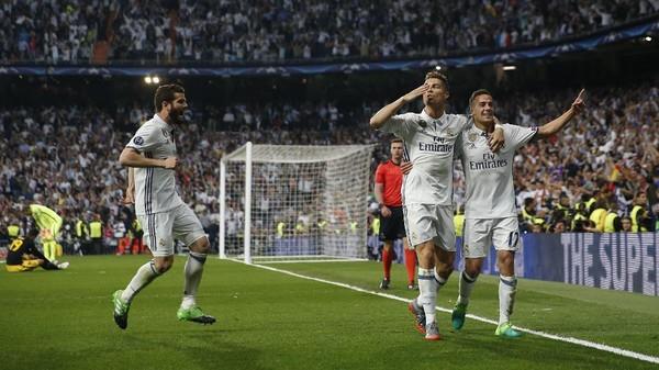 Usai Aksi Trigol Ronaldo, Phil Neville Teringat Obrolan Masa Lalu