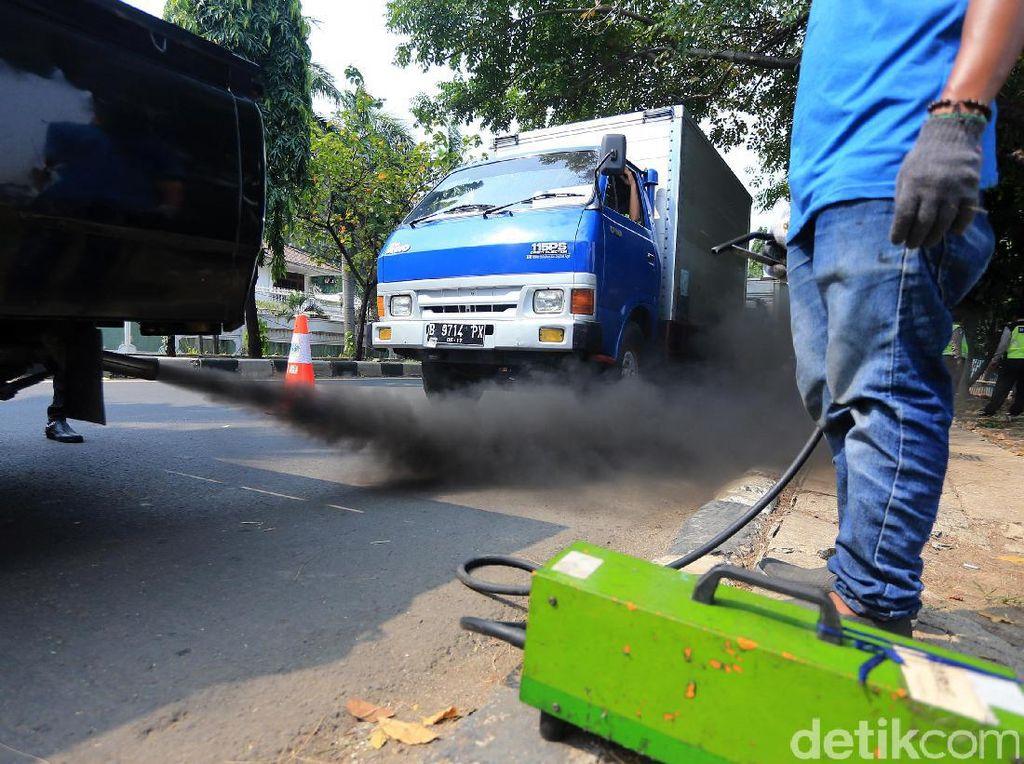 Uji Emisi Kendaraan Gratis di Jakarta