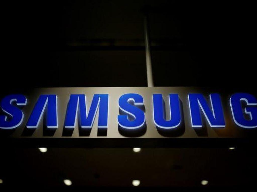 Keuntungan Samsung Merosot 56%, Tapi...