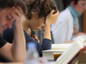 Mahasiswa di Australia Kini Lebih Stres