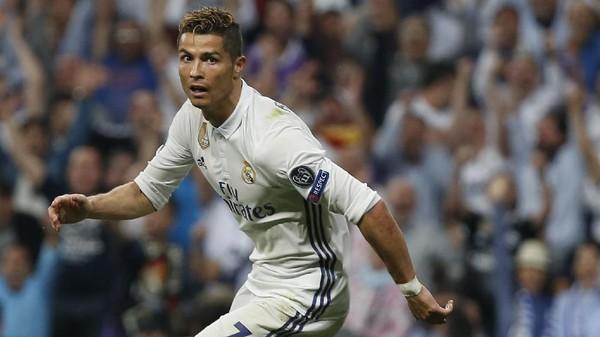 Bikin <i>Hat-trick</i>, Ronaldo Berpeluang Salip Messi
