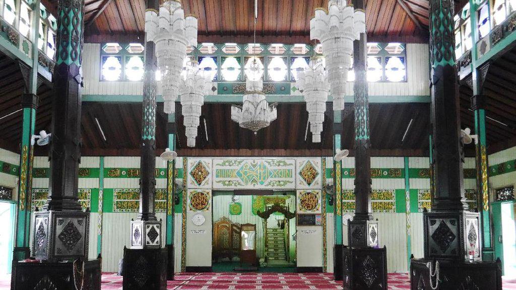 Seperti Apa Masjid Tertua di Kalimantan Selatan?