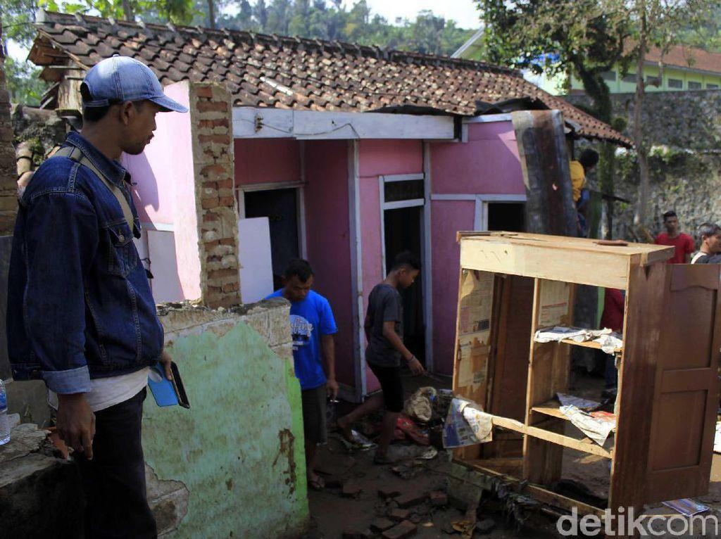 Pemkab Bandung Segera Perbaiki Rumah Korban Banjir Bandang