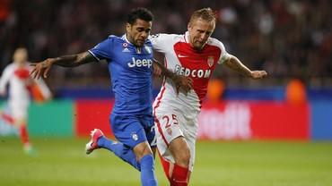 Juventus Kendalikan Tempo Lewat Permainan Sempurna Dani Alves
