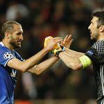 Buffon dan Chiellini Setahun Lagi di Juventus